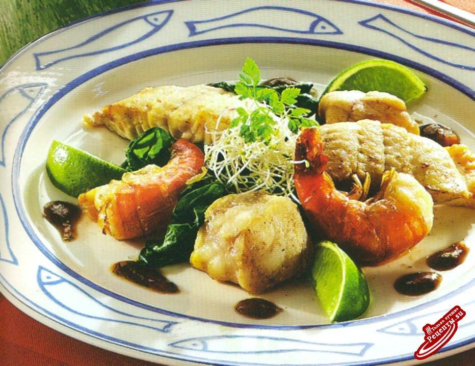 Морепродукты под пряным соусом