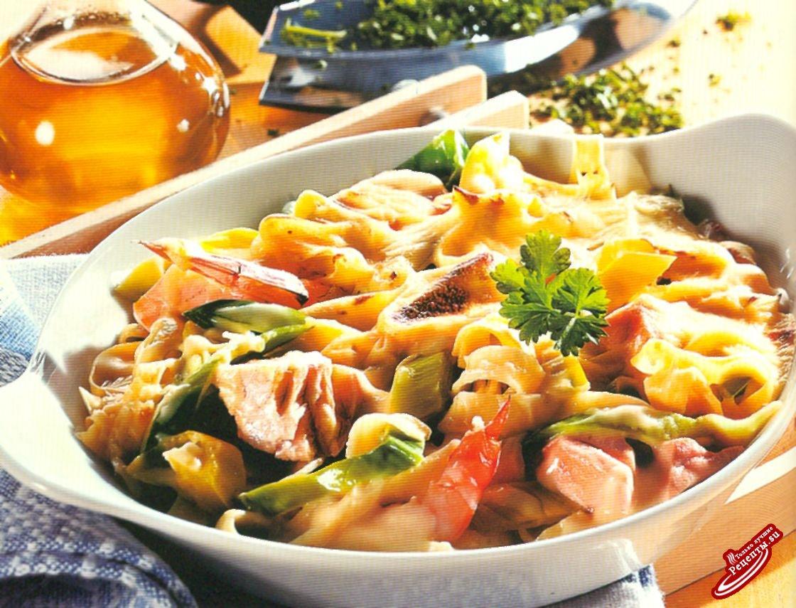 Жаркое из лосося со свекольными листьями