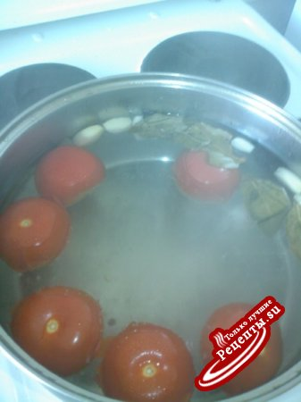 Быстро маринованные помидоры.