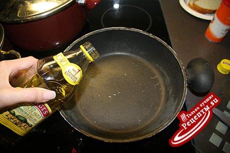 Говядина под томатно-грибным соусом с сыром