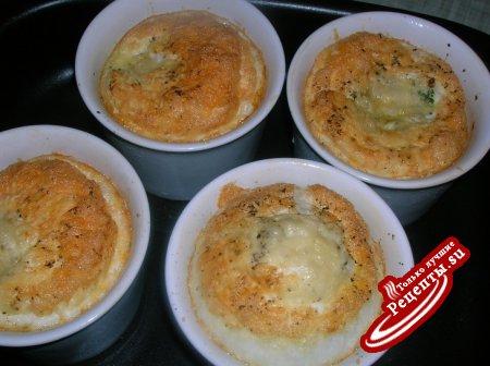 Запеченные яйца с беконом-карри или воскресный завтрак