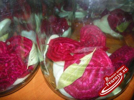Помидоры в розовом маринаде