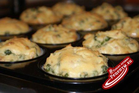 Мини-запеканки с зелёным горошком и сыром