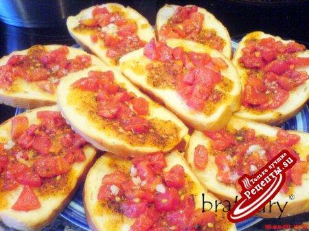 Горячие бутерброды с помидорами и приправами