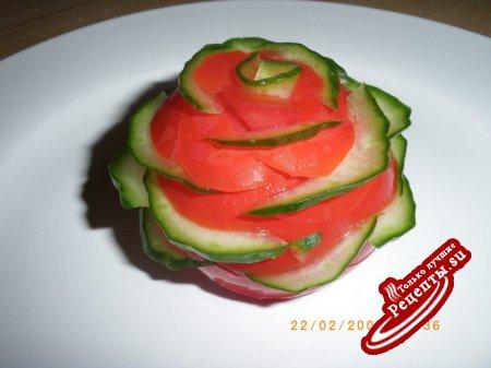 Украшения салатов из огурцов и помидоров фото