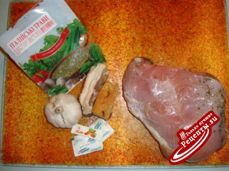Свинина запечённая с чесноком