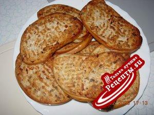 Горячие бутерброды с консервированной горбушей