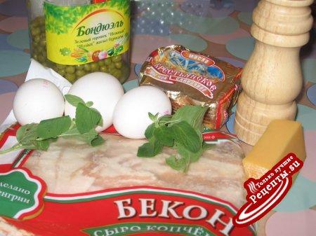 Омлет с беконом, горошком и мятой
