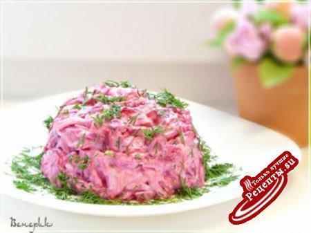 Очень простой салат из сыра, яиц и свеклы