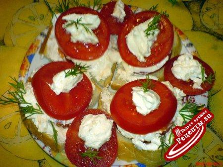 Бутерброды с брынзой и помидорами