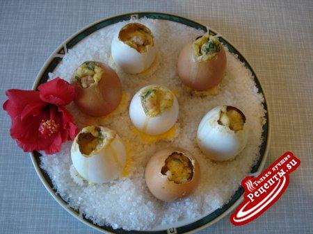 Яйца с зеленью,в скорлупе