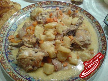 Кролик с картофелем и вином