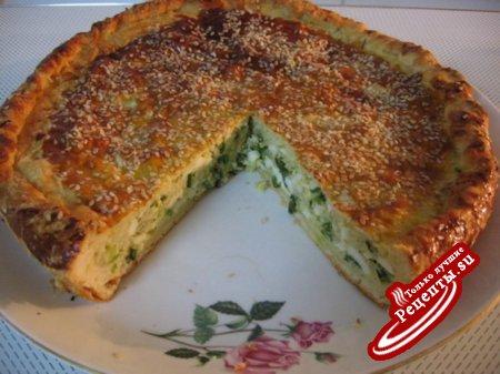 Пирог с зеленым луком.
