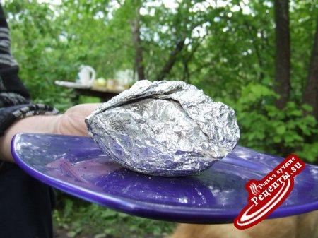 для дачи - картошка с беконом, приготовленная на углях