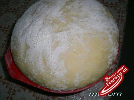Пирожки с изюмом и арахисом