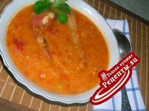 Густой чечевичный суп с копчеными свиными ребрышками
