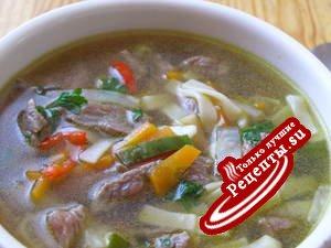 Азиатский суп с сырой говядиной