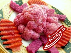 Цветная капуста и другие овощи маринованные в фиксе овощном.