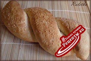 Французский хлеб с маслинами (в духовке)