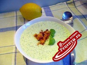 Холодный огуречно-базиликовый суп с креветками