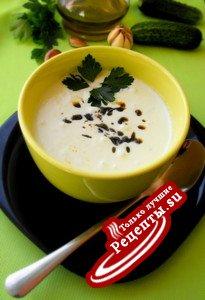 Холодный огуречный суп.