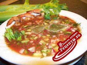 Канадский холодный суп с креветками на томатном соке за 5 минут