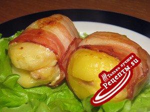 Картофель фаршированный в беконе