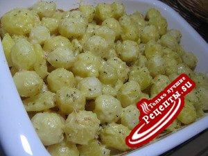 Картофель запечёный с заливкой и сыром