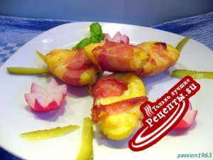 Картошка, запеченная с сыром и беконом .