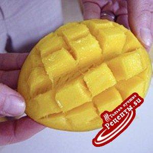 манго с малиновым соусом