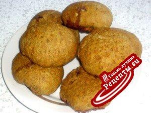 Орехово-ржаные булочки с джемом (постное)