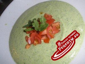 Освежающий кремовый зеленый суп
