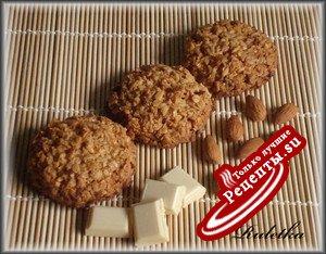 Печенье из овсяных хлопьев с миндалём и шоколадом