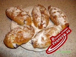 Пирожки творожные с черноплодкой и яблоком
