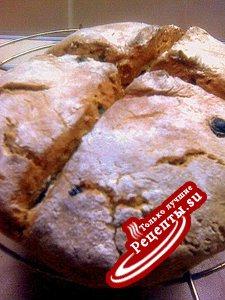 Ржаной хлеб на соде с семечками, изюмом и фисташками
