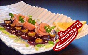 САЛАТ с копчённым лососем и свеклой на завтрак