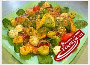 Салат с тортеллини и рыбой (сытно, почти как обед)