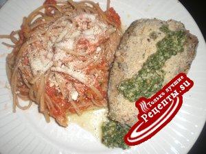 Спагетти с яблочно-томатным соусом