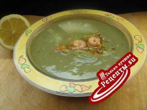 Суп-пюре из авокадо в тайском стиле.
