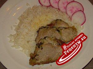 Свинина с чесноком, запечённая в фольге