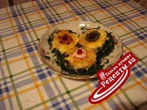 Свинина, запеченная с ананасами и сыром (вариант)