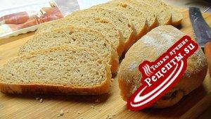 Тосканский хлеб из цельнозерновой муки, брускетте и итальянские гренки с ветчиной в честь L@r@чки.
